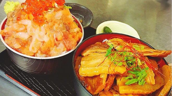 伊豆高原ビール本店レストラン - 料理写真:2種丼‼︎魚と肉の両方味わえます★