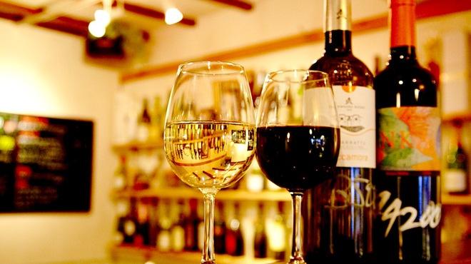 ビストリア - ドリンク写真:グラスワインも3〜4種類日替わりにてご用意。詳細はスタッフへ