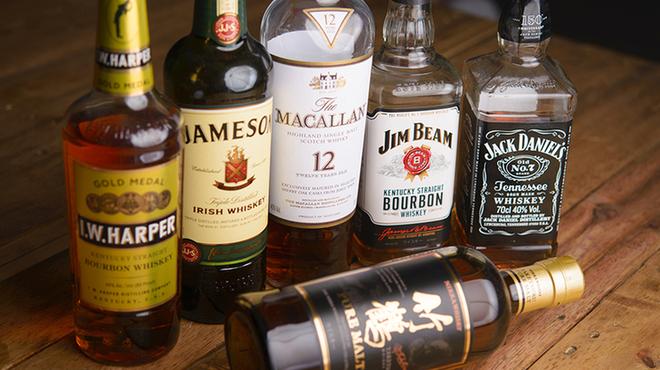 スポーツバルBARcanaria - ドリンク写真:ウイスキー約10種類