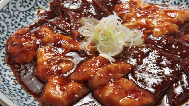 日比谷三源豚 - 料理写真:ホルモン盛合せ 980円~ 人気のホルモン♪新鮮でめっちゃ美味しく、ヘルシーです!