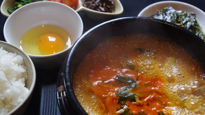 焼肉八七 - 料理写真:日替わりチゲランチ
