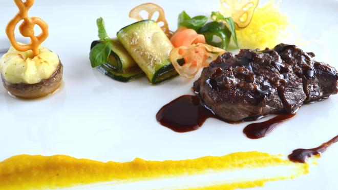 貴匠桜 - 料理写真:牛ロースのポワレ デュクセルソース