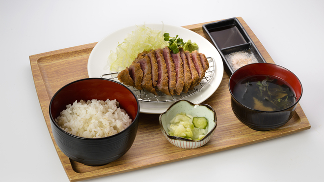 牛酒場 末吉や - 料理写真:牛かつ定食
