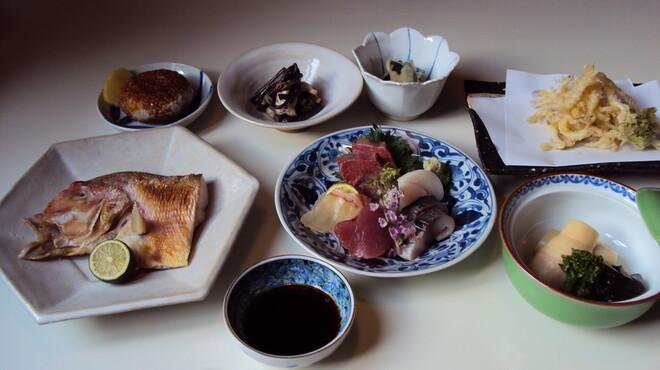 藤石 - 料理写真:おまかせコース(日により内容変わります)