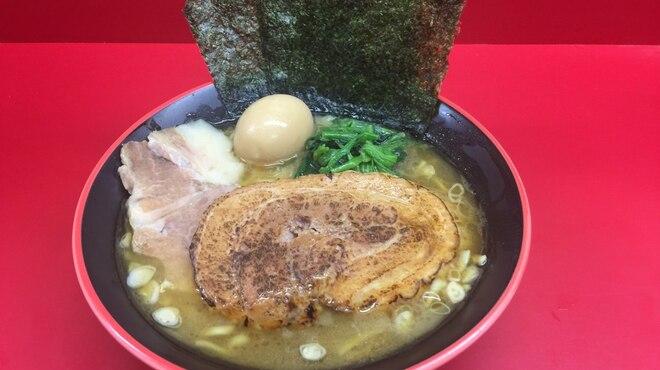 横濱家系ラーメン 勝鬨家 - メイン写真: