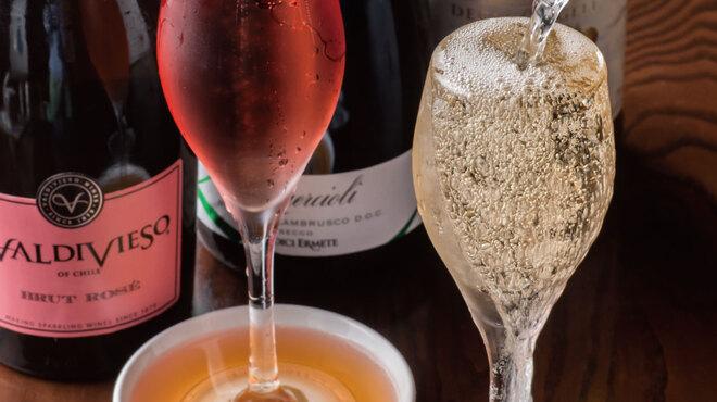 炭火焼とワインの酒場 VOLTA - ドリンク写真: