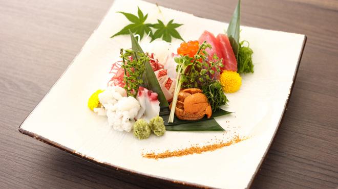 個室くずし割烹 白金魚 プラチナフィッシュ - 料理写真:
