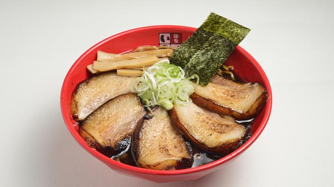 富山ブラック 麺家いろは - メイン写真: