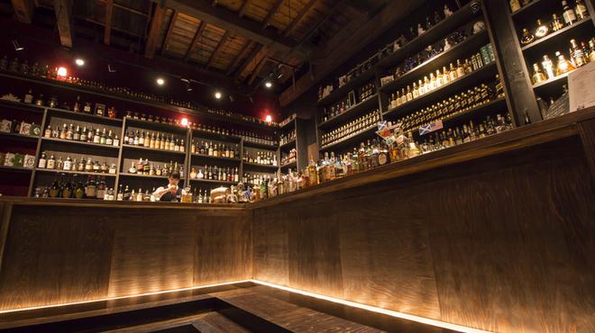 お酒の美術館 京都三条烏丸レトロパブ - メイン写真: