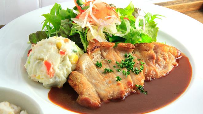 ロヂウラ食堂 - 料理写真:ジューシー「ロースソテー定食」