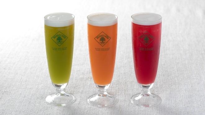 アインソフ ギンザ - ドリンク写真:大人気!無農薬野菜のコールドプレスビール!