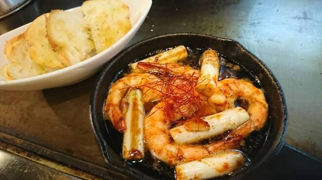 広島焼き どんき - 料理写真:ハーブシュリンプのアヒージョ