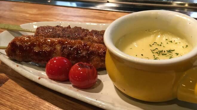 広島焼き どんき - 料理写真:つくね串のチーズフォンデュ
