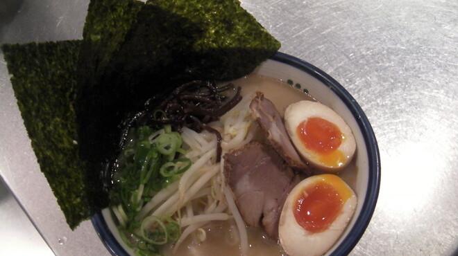 麺の坊 砦 - 料理写真:人気ラーメン