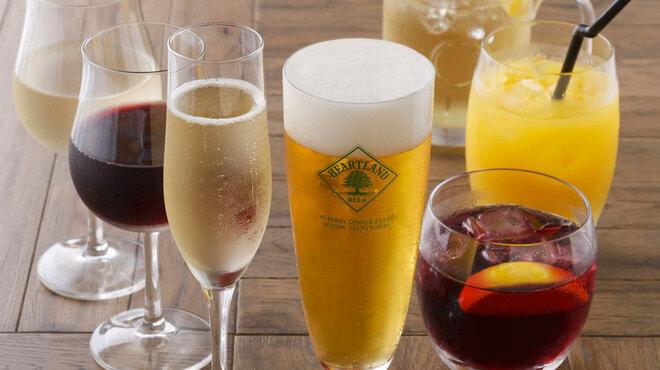 ペスカデリア - ドリンク写真:オイスターバー 赤坂 オーガニックワイン