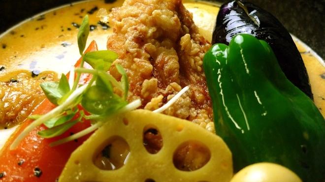 イエロー - 料理写真:鶏ささみのクリスピーチキンカリー