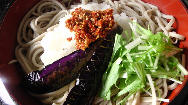 たちばな - 料理写真:ごま辛なすおろし 揚げ茄子と大根おろしが自家製のごま辛とよく合い、さっぱり食べれる