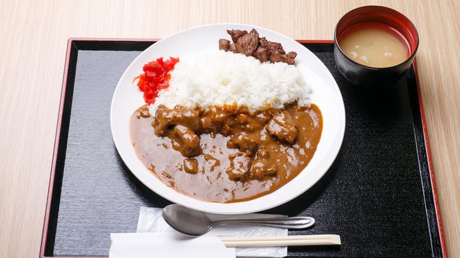 牛かつ 牛ちゃん - 料理写真:牛すじカレー\740
