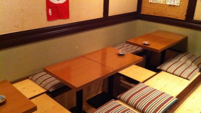 魚菜 - 内観写真:座敷は12席ございます