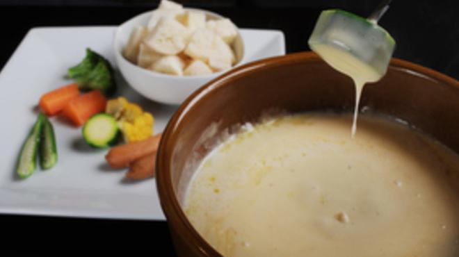 洋食屋Dining&Bar Roots - メイン写真: