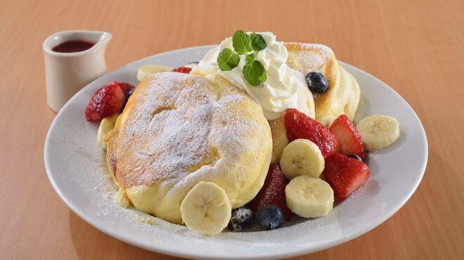 オリジナルパンケーキハウス - 料理写真:ふわふわパンケーキミックスフルーツ
