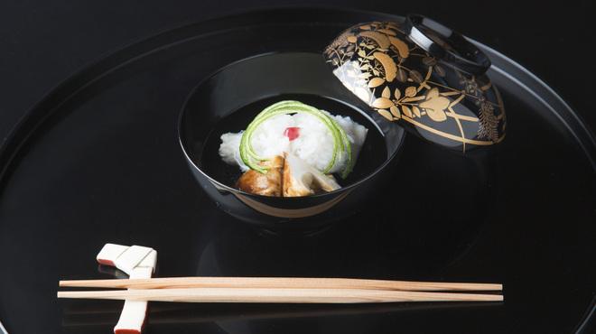 京都 吉兆 - 料理写真:国産松茸と鱧のお椀