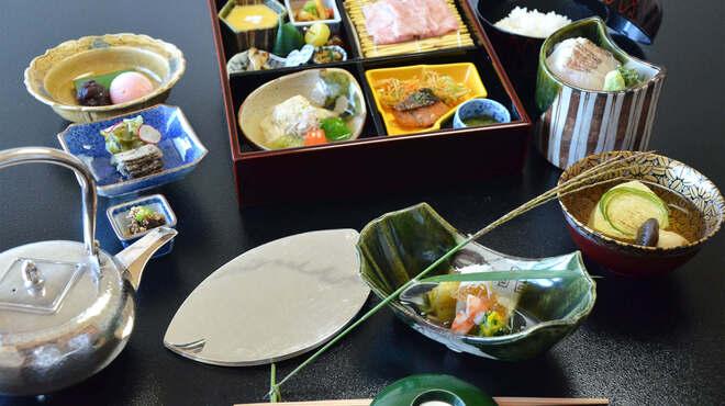 京都 吉兆 - 料理写真:9月の松花堂弁当
