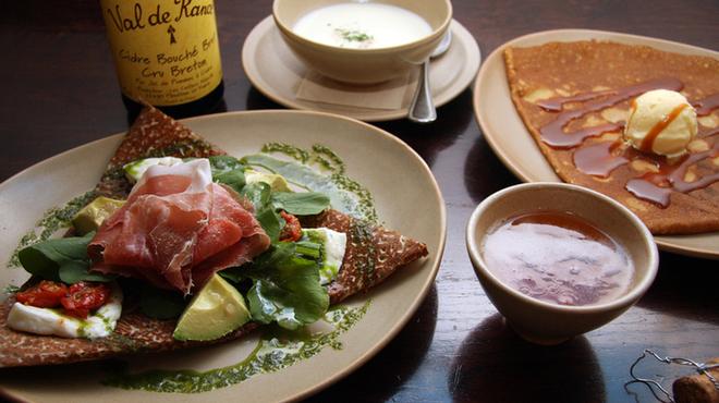 ブレッツ カフェ クレープリー - 料理写真:ムニュー ド セゾン