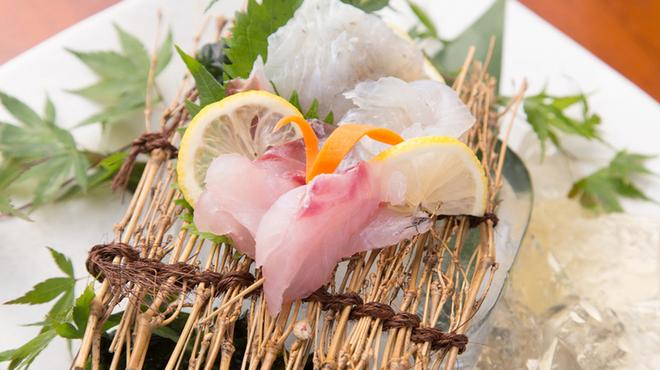 串揚げ 和が家 - 料理写真:天然モノにこだわったお刺身盛り合わせ