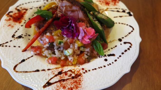 カフェ&バルSpica - 料理写真:大山鶏のポワレ~季節によってソースが変更されます~