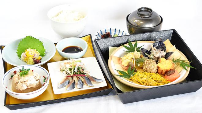 味喰笑 - 料理写真:10月の東山御膳1,450円(税込)