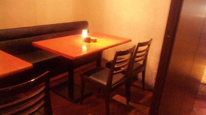 REGALO - 内観写真:大小の人数に合わせた個室も落ちつけておすすめ 要予約です