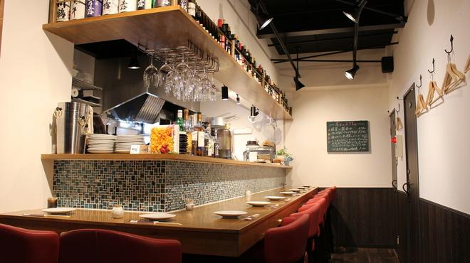 地酒とワインのダイニング 樽 - メイン写真: