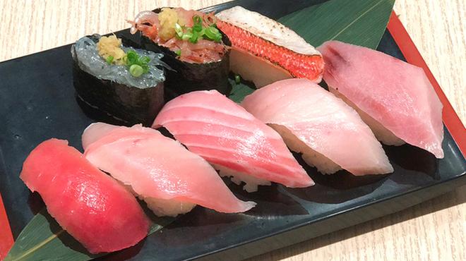 清水港寿司特急 まぐろ屋バンノウ水産 - メイン写真:
