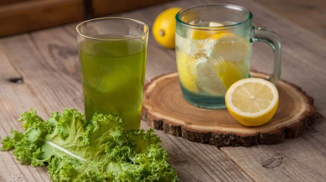 しゃぶしゃぶ れたす - ドリンク写真:人気の「ケールと果物のお酒」と「まるごとレモンサワー」