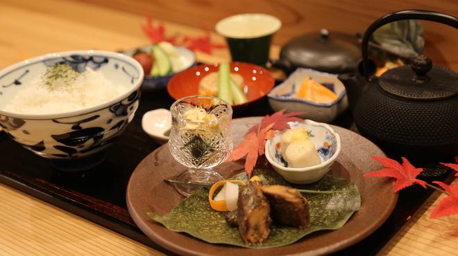 茶三楽 - 料理写真:お茶漬けの昼食