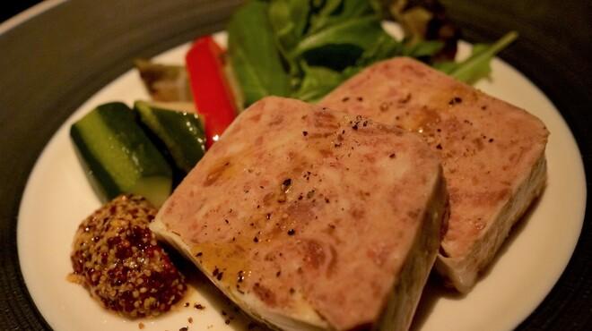 Bar Bambi - 料理写真:イベリコ豚のパテ