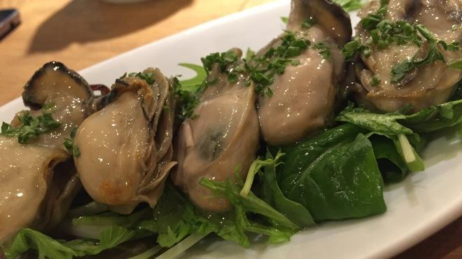 サカナバル - 料理写真:牡蠣のオイル漬け