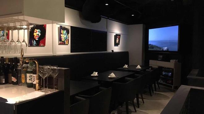 THE XUN TOKYO - 内観写真:テーブル席