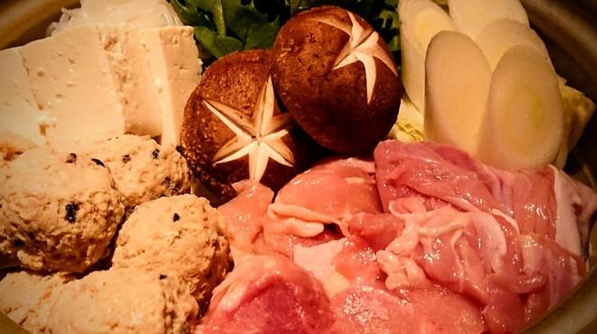 ぬる燗 佐藤 - 料理写真:大山鶏とつくねの鶏すき鍋