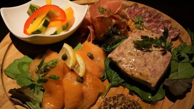 Bar Bambi - 料理写真:前菜4種盛り合わせ
