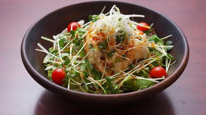 居酒屋ななこ - 料理写真:豆腐サラダ