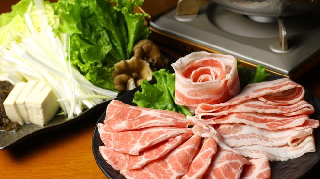 厳選島豚しゃぶしゃぶ、すき焼きせいりゅう - メイン写真: