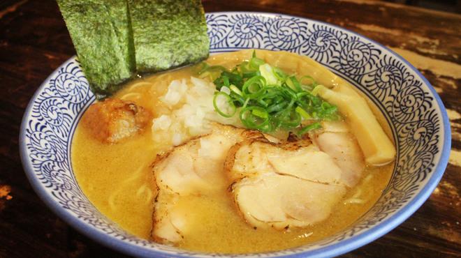 濃厚鶏白湯ラーメン 美空 - メイン写真: