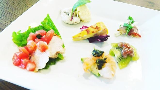 MEGRO Dining - 料理写真: