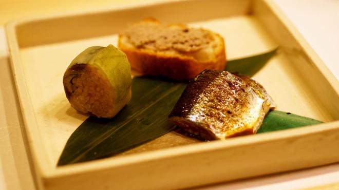 鮨 五徳 - 料理写真:先付「三種の秋刀魚」