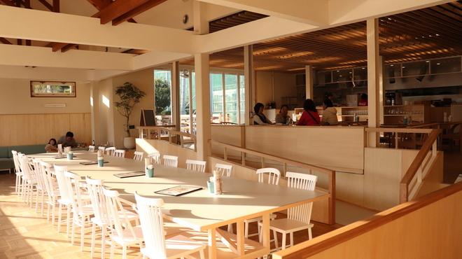 パームスプリングスファミリーレストランアンドゴルフレンジ - メイン写真: