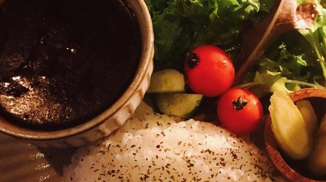 dining bar 古酒楽 - 料理写真:極辛ブラックカレー