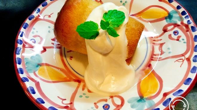 ラ・ベファーナ - 料理写真:ババ〜ナポリ伝統のラム酒漬けの焼き菓子〜