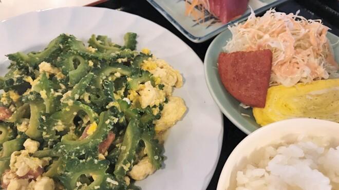名護そば まきし食堂 - 料理写真:ゴーヤーチャンプルー定食